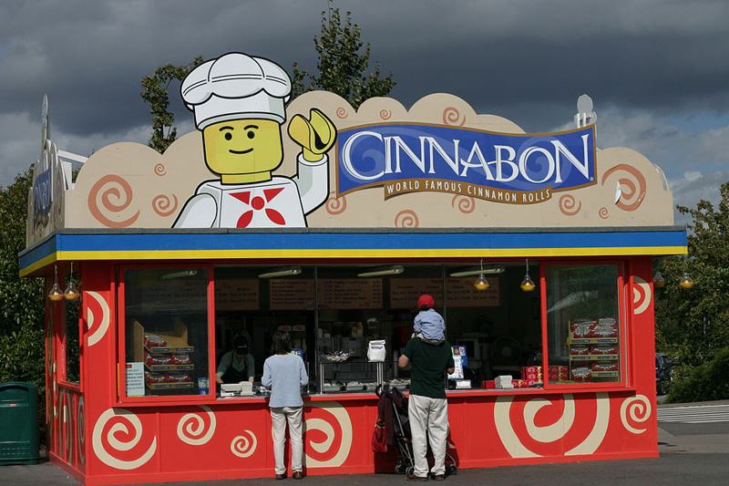 Cinnabon_at_Legoland_Windsor_in_2004